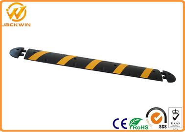 China 60ft 1830mm Road Safety Reflective Rubber Speed Bump With Panama Standard distributor