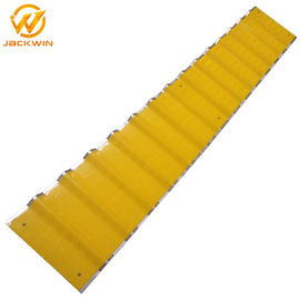 China Construction Site 3m Reflective Sheeting Linear Delineation System Yellow / Red / Black distributor